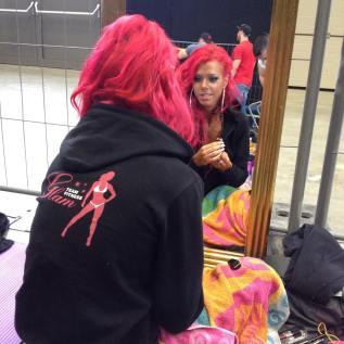 Einen großen Spiegel im Backstage Bereich ergattert